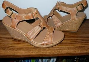 CLARKS LEATHER CORK WEDGE SANDALS 7m